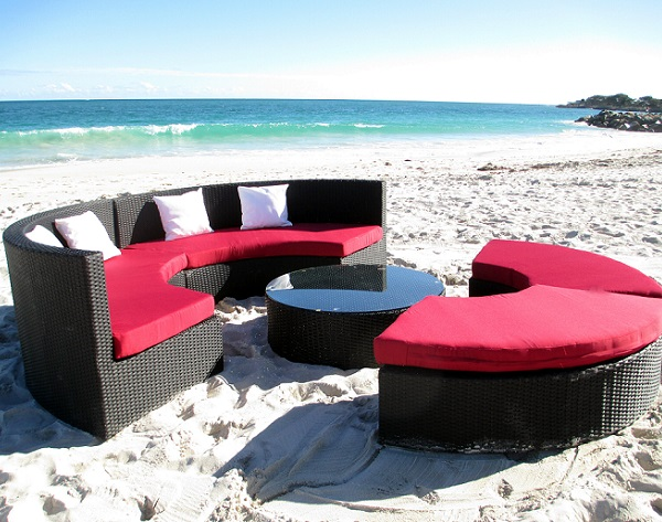 Circular wicker outdoor sofa