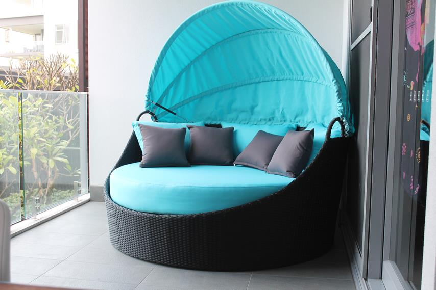 All-weather wicker day bed with UV resistant PE-rattan, made for the outdoors in Perth.