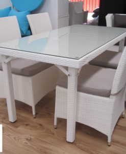 Floor stock white wicker clearance outdoor furniture in Perth