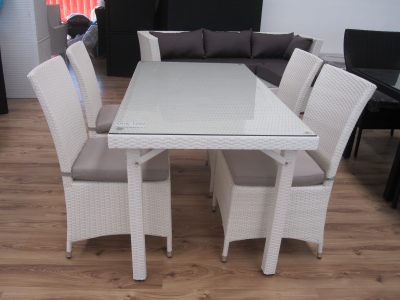 beautiful white or black rattan outdoor set in Perth.