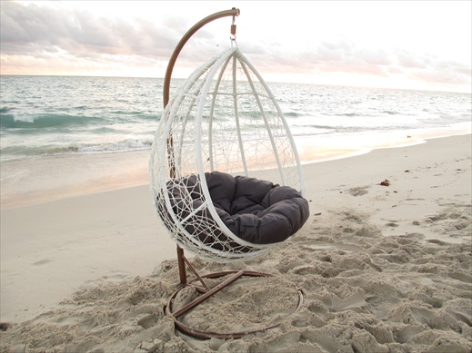 Beautiful outdoor hanging pod chair